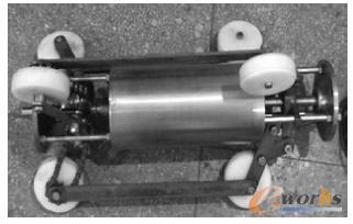 dWorks的管道除垢机器人设